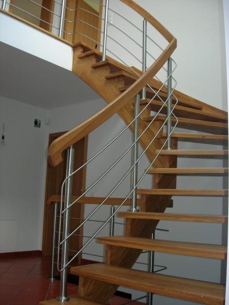 balustrada pozioma idrewniane schody